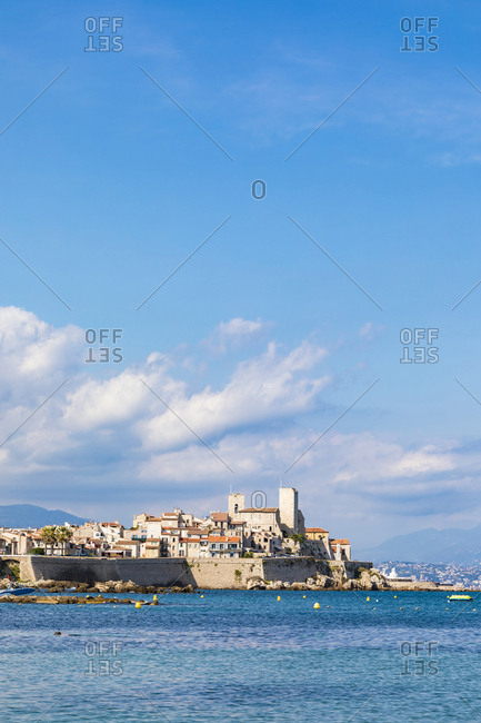 France- Provence-Alpes-Cote d'Azur- Antibes- Old town with Chateau Grimaldi- city wall