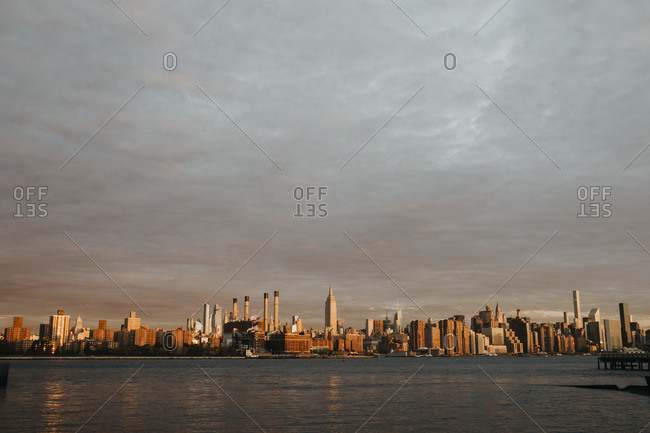 USA- New York- New York City- View to Brooklyn at sunrise