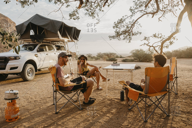 Namibia- friends camping near Spitzkoppe