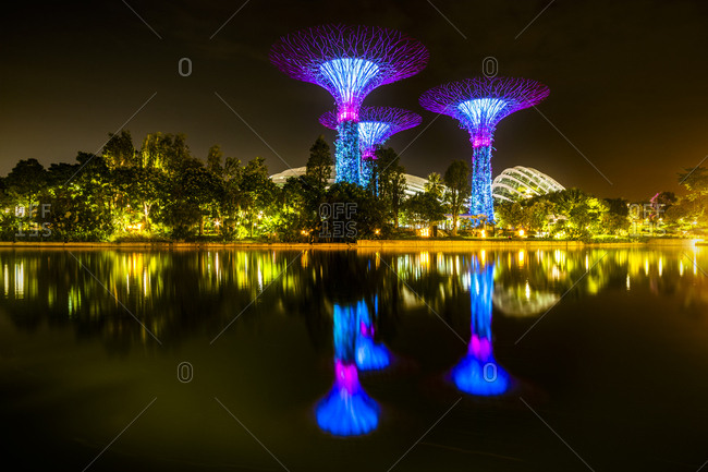 September 20, 2018: Singapore- Marina Bay- Gardens by the Bay- Super trees at night