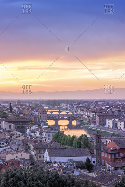 Italy- Tuscany- Florence- Cityscape with Ponte Vecchio at sunrise
