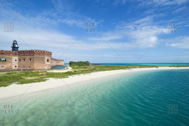 USA- Florida- Florida Keys- Dry Tortugas National Park- Turquoise waters and white sand beach before Fort Jefferson