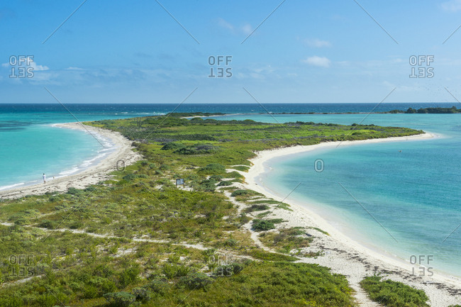 USA- Florida- Florida Keys- Dry Tortugas National Park- Fort Jefferson- White sand beach in turquoise waters