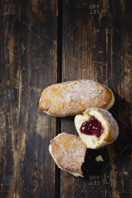 Fresh crullers- filled with jam