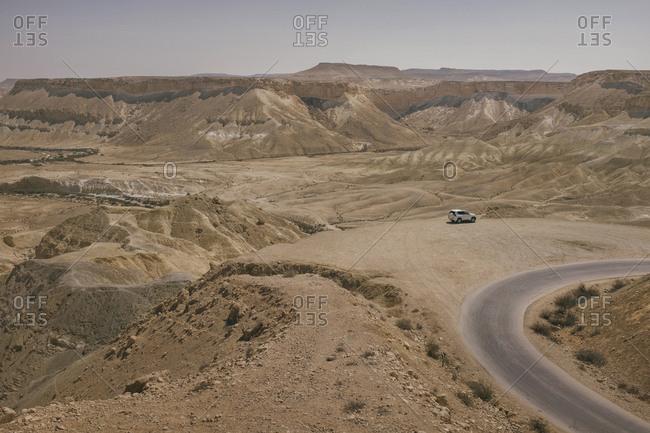 Israel- Negev- Avdat National Park- Negev Desert view with jeep