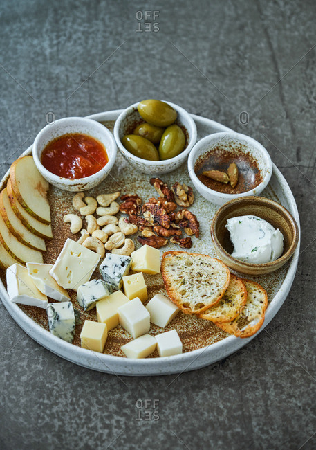 White wine appetizer platter