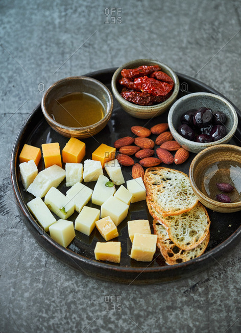 Red wine appetizer platter