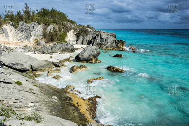 Bermuda- Rocky cliffs and beach- turquoise water
