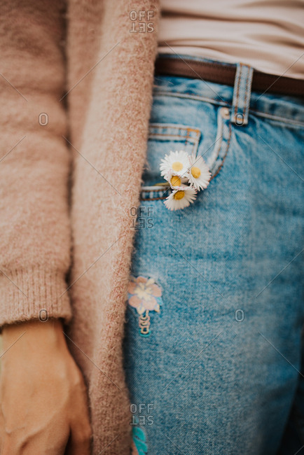 Daisies in jean pocket - Offset