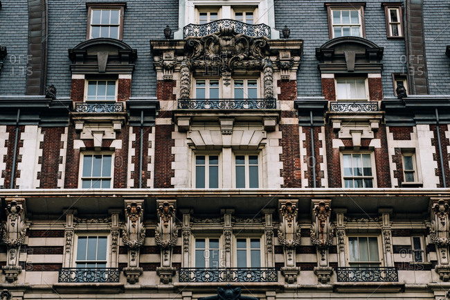A building in New York City's upper west side
