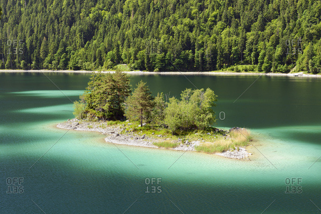 Germany, Bavaria, Bayern, Upper Bavaria, Oberbayern, Garmisch-Partenkirchen, Eibsee (Lake Eib)