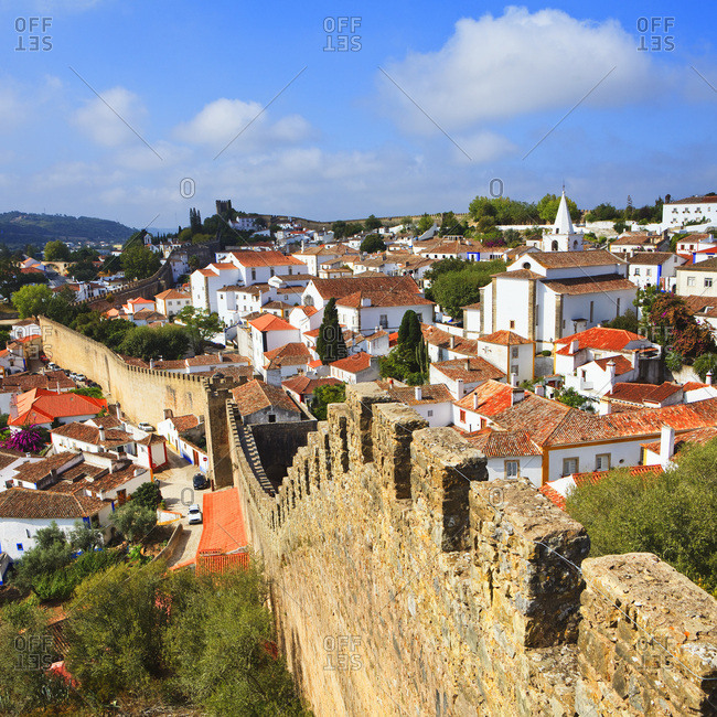 Portugal, Leiria, Estremadura, Ribatejo, Costa de Prata, Silver Coast, Silver Coast, View of the town and surrounding walls