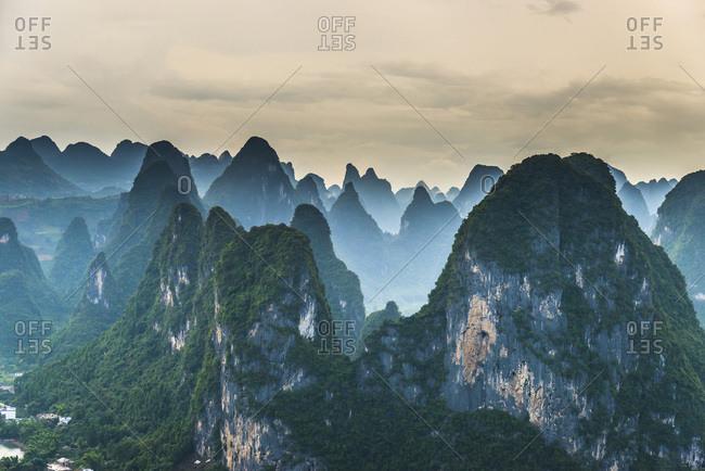 China, Guangxi Zhuangzu Zizhiqu, Guangxi, Yangshuo, Lao Zhai Shan viewpoint