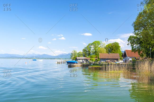 Germany, Bavaria, Bayern, Upper Bavaria, Oberbayern, Chiemsee lake, Alps, Bavarian Alps, Chiemgau, Lakeside along the Frauenchiemsee island on Chiemsee lake