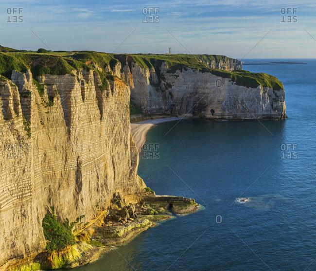 France, Normandy, English Channel, Seine-Maritime, Coastal landscape along the Falaise d'Aval the famous white cliffs of Etretat