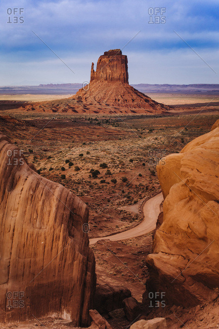 United States, Arizona, Monument Valley Tribal Park, Monument Valley, iconic view of Monument Valley