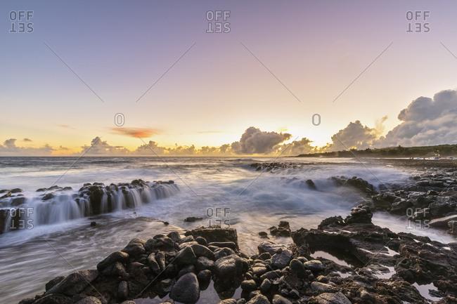USA- Hawaii- Kauai- Pacific Ocean- South Coast- Kukuiula Bay at sunset