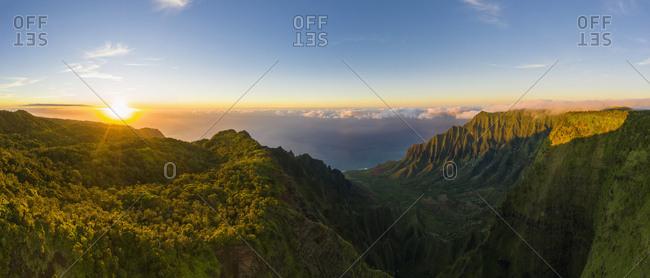 USA- Hawaii- Koke'e State Park- Koke'e State Park- Aerial view of Kalalau Valley