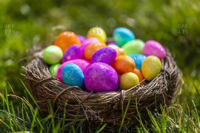 Sparkling Easter eggs in nest