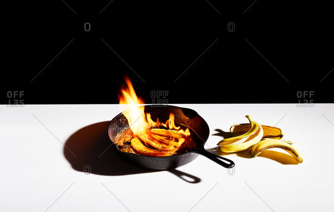 Flaming bananas in a skillet