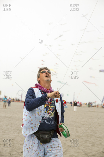 USA, Washington State, Long Beach Peninsula, - August 23, 2014: International Kite Festival, British kite flier Bob Crushnik