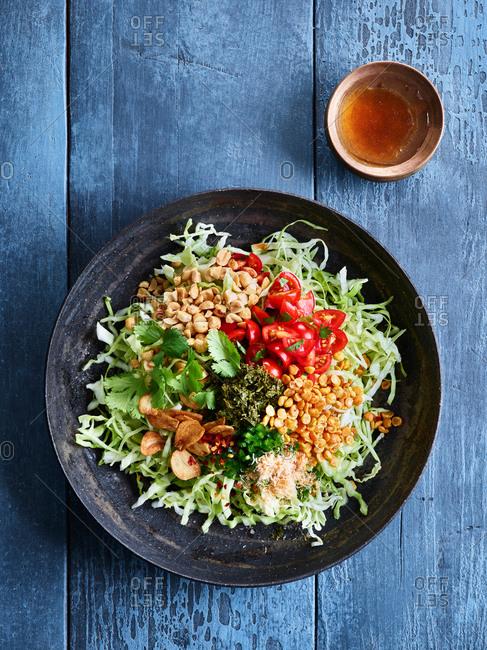 Fermented tea leaf salad - Offset