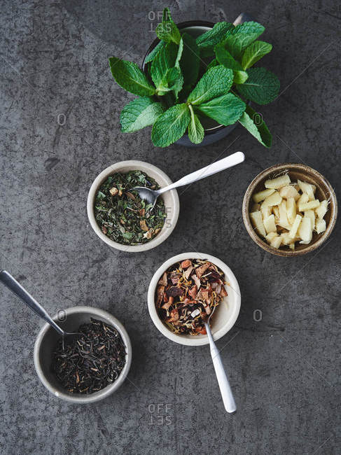 Tea leaves with ginger and mint