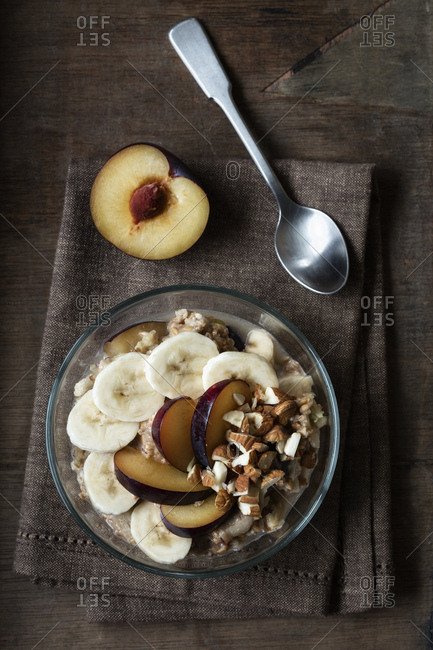 Cereals with banana and plum