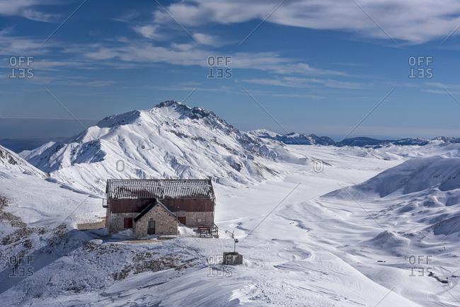 Italy- Abruzzo- Gran Sasso e Monti della Laga- Campo Imperatore and Duca degli Abruzzi mountain hut in winter