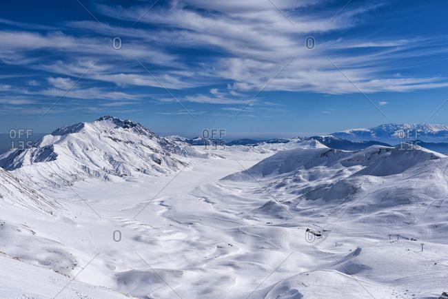 Italy- Abruzzo- Gran Sasso e Monti della Laga- Campo Imperatore plateau in winter
