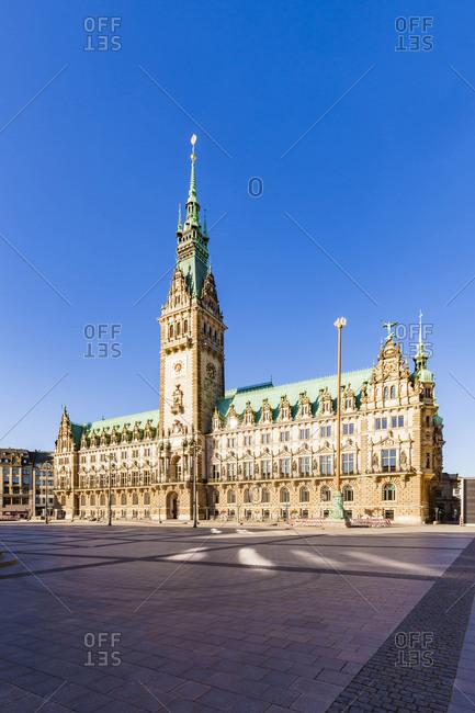 Germany- Hamburg- city hall market with city hall