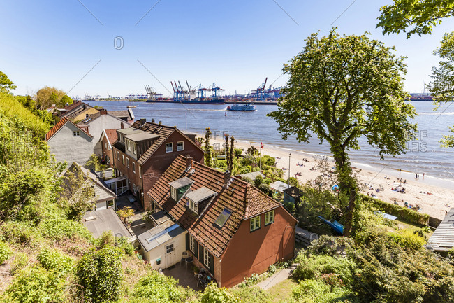 Germany- Hamburg- Oevelgoenne- captain's houses and pilot houses at the Elbe shore seen from Himmelsleiter