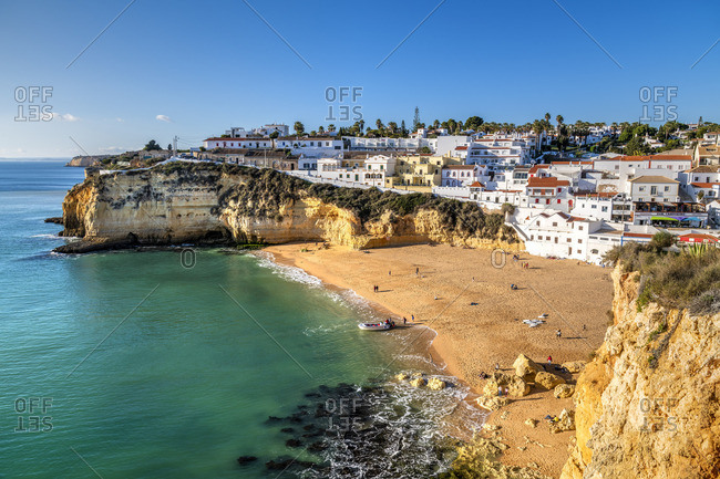 December 28, 2018: Praia de Carvoeiro, Carvoeiro, Lagoa, Algarve, Portugal