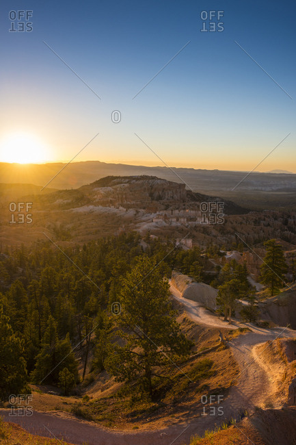 USA- Utah- Bryce Canyon National Park- sandstone formations at sunrise