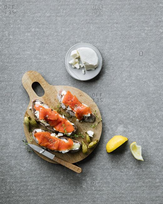 Salmon crostinis
