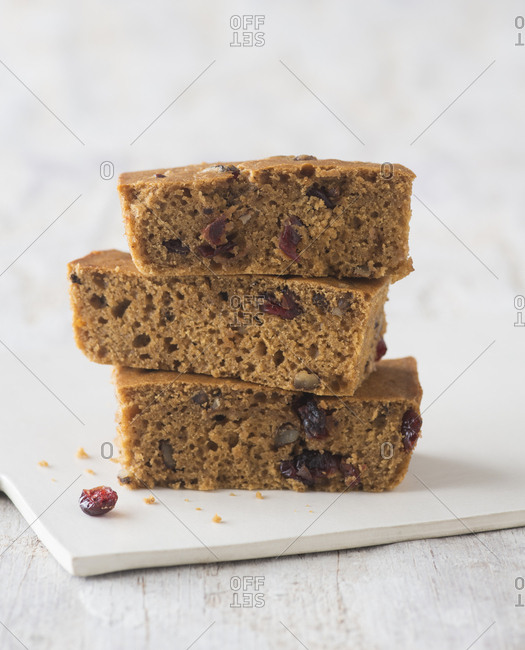 Dairy-free fruit and nut bars