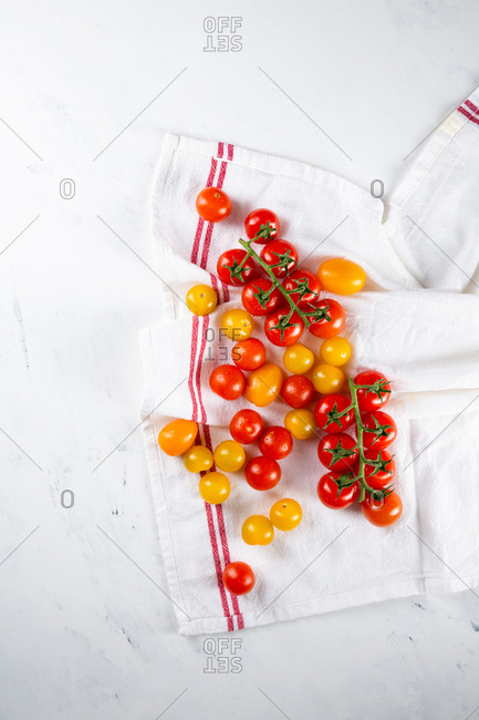 Fresh whole cherry tomatoes