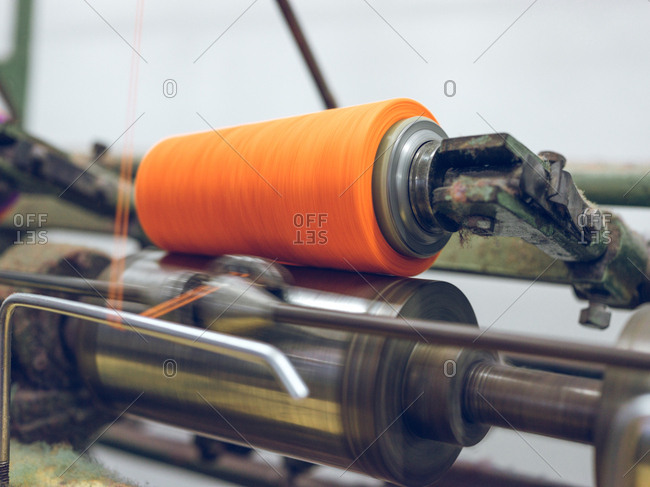 Thread spinning on machine