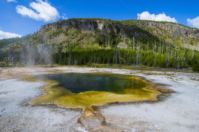USA- Wyoming- Yellowstone National Park- Emerald Pool- Black sand basin