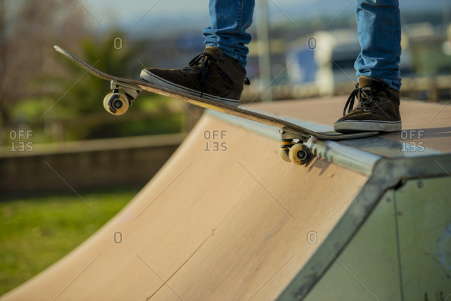 Close up of skater preparing at ramp
