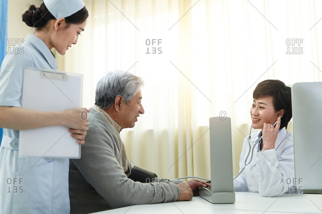 Medical workers and patients in the doctor's office