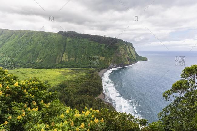 USA- Hawaii- Big Island- Waipio Valley- Waipi'o Black Sand Beach