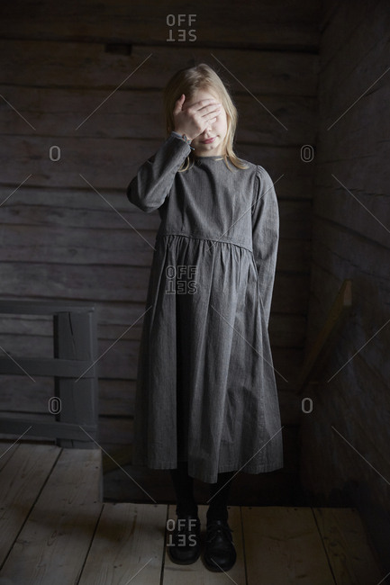 Girl wearing old-fashioned dress