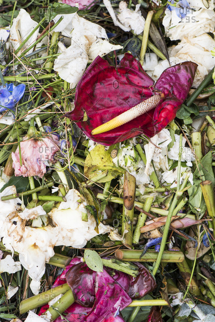 Composting flowers and other green matter