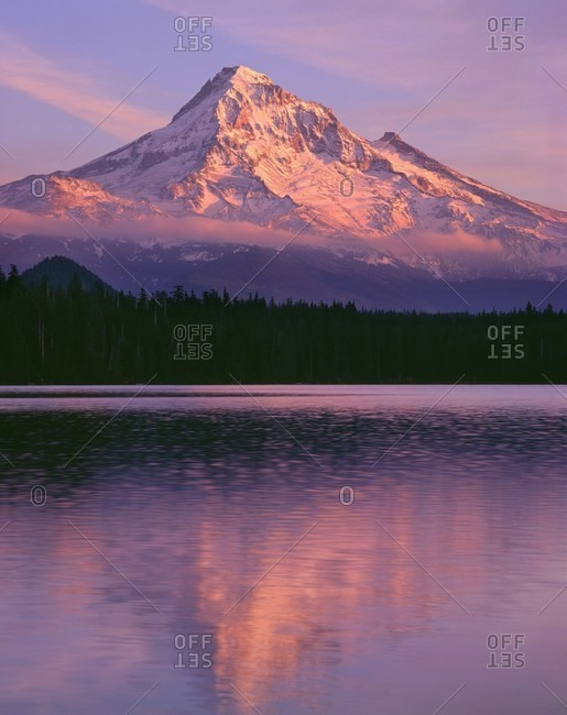 USA, Oregon, Mount Hood National Forest. Sunset light reddens north side of Mount Hood with first snow of autumn above Lost Lake.