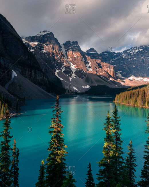 Moraine lake sunrise - Offset Collection