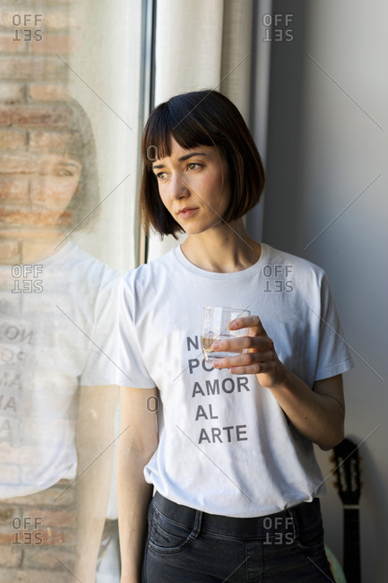 Woman wearing a t-shirt with an inspirational message