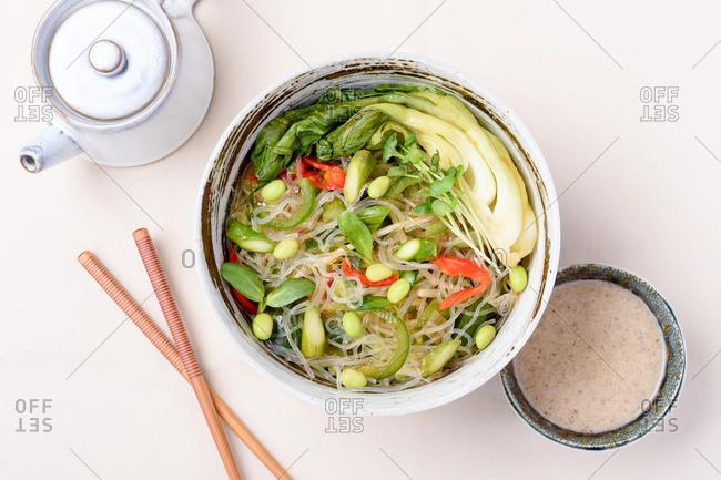 Kelp vegetable noodle bowl