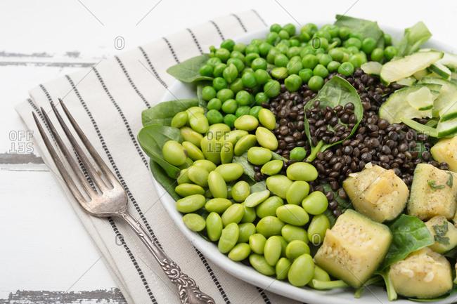 Green beans pesto salad