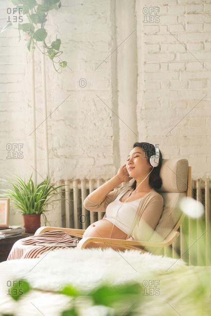 Pregnant women to family life